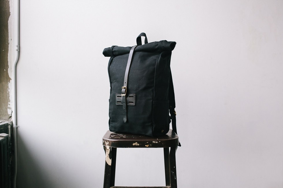 Archival Clothing - Rolltop Rucksack Waxed Canvas, Schwarz