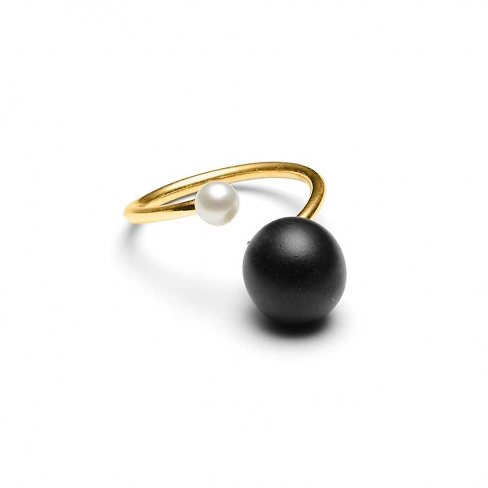 Louise Kragh - Freshwater & Black Pearl Ring
