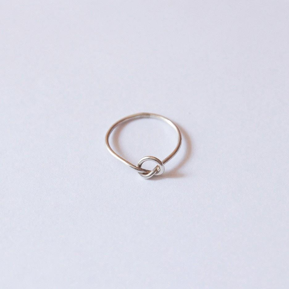 Nikki Montoya - Knot Ring, Silber